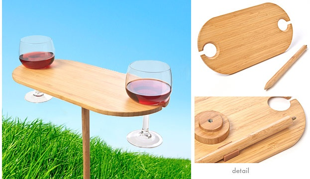 Oh so brilliant. Portable wine picnic table. Put the spike in the ground to prop up this cute little table to hold your glasses and some cheese and fruit Perfect :) #picnic