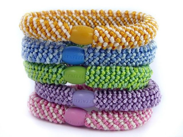 Match your hair elastic to your outfit with our range of colours and styles!