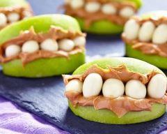 Dentiers sucrés pomme et beurre de cacahuète pour halloween