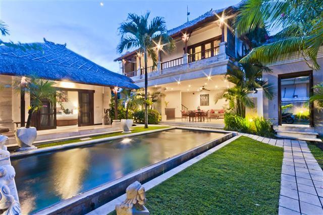 Villa Krisna - Geria BaliGeria Bali #bali #geriabali #night #villa #tbt #luxury #balivilla #villalife #hgtv #balinight #baliisland #baliholiday #balibible #luxuryworldtravel #ootd