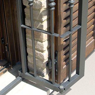 Oltre 25 fantastiche idee su porte di ferro su pinterest for Porte finestre usate