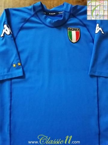 Relive Italy's 2000/2001 international season with this original Kappa home football shirt.