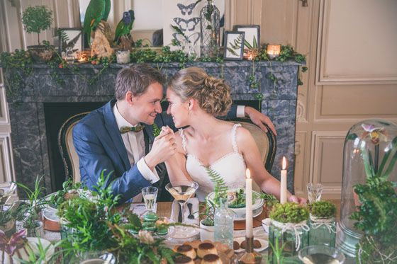 Happy dining with relaxing green decoration #wedding #ferns #decoration #trouwen Fotocredit: FotoZee (http://fotozee.nl/) - Pinterested @ http://wedspiration.com.