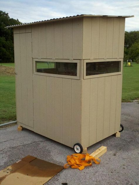 25 best ideas about deer blind plans on pinterest deer for Inside deer blind ideas