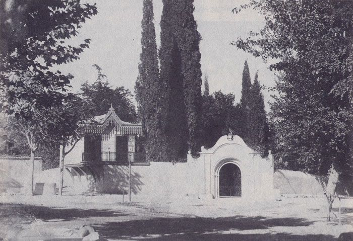 The entrance of the Matthey house at the beginning of the 20th century.
