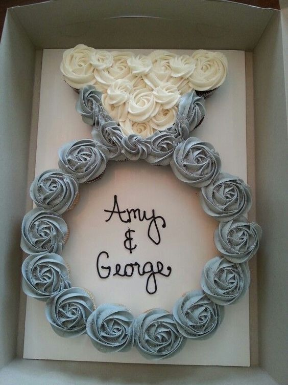 Ring shaped Engagement Ring Cupcake Cake