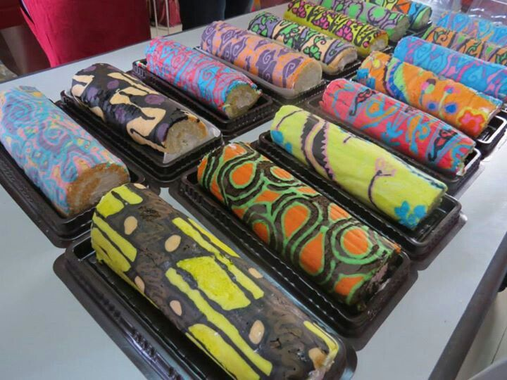 Roll Cake Batik  Any One ?