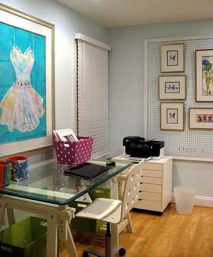 art studio: Offices Desks, Organizations Tips, Sewing Tables, Art Studios, Crafts Rooms, Offices Spaces, Work Spaces, Home Offices, Kids Rooms