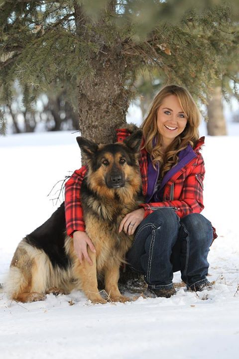 Amber Marshall. She is sooo pretty!!