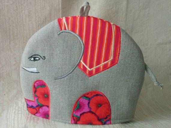 Rupert an Embroidered Tweed Elephant Tea Cosy por RichardAndSon