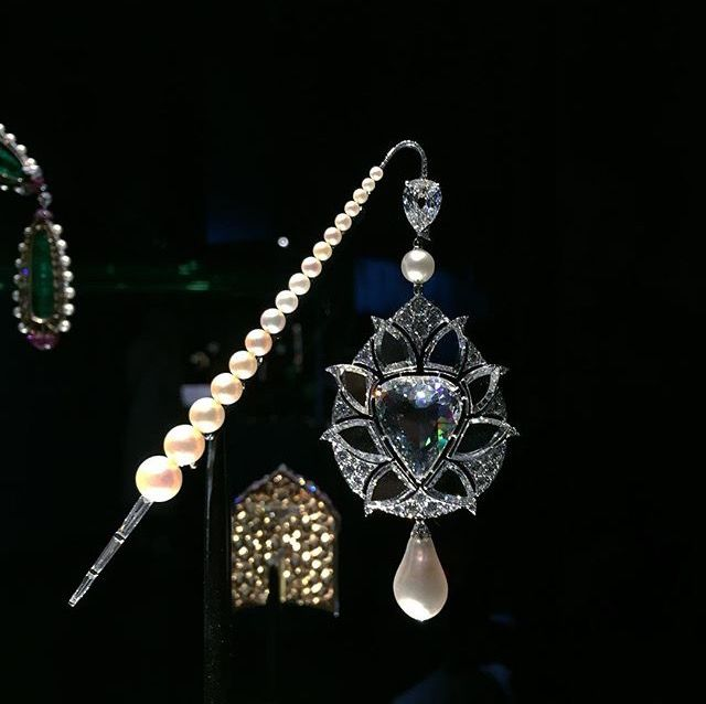 Viren Bhaghat pin part of the Al Thani collection exhibited at the Victoria and Albert museum in London. Photo courtesy of Viren Bhagat