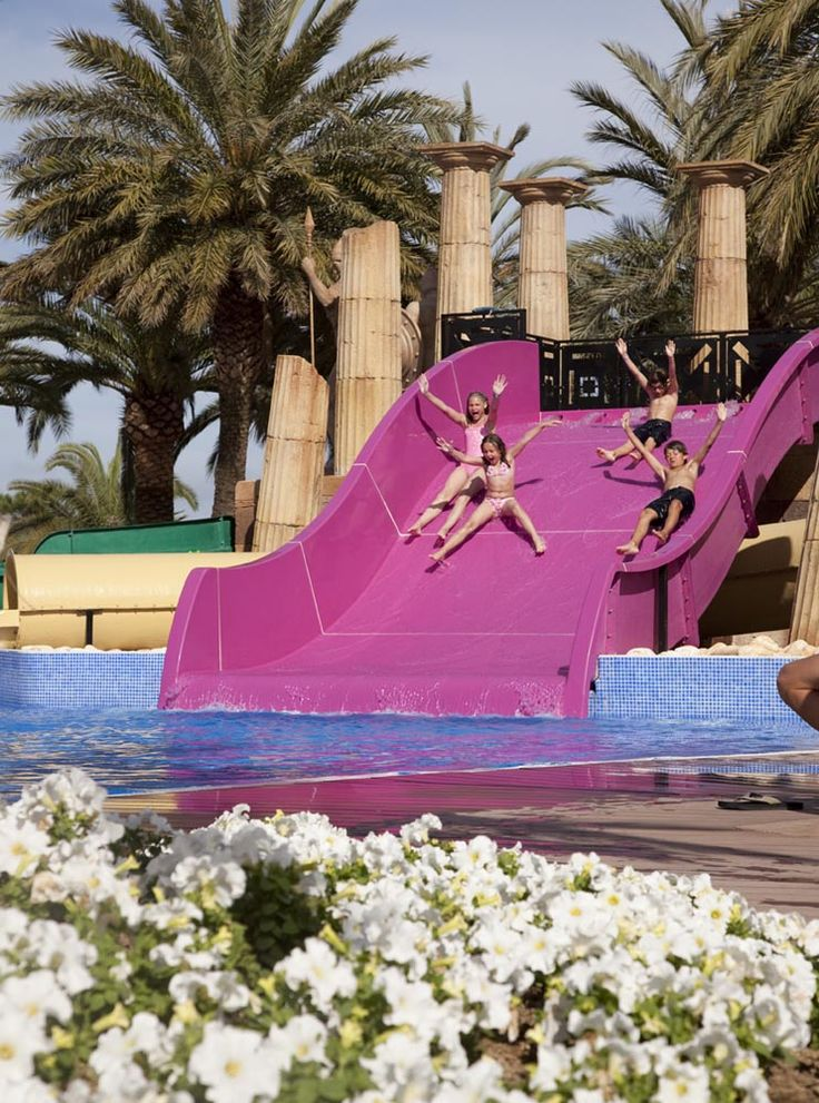 Younger guests can swim in a shallow pool and play on the small water slides, whilst older guests can enjoy the other slides, 3 different slides each with a different form and length.