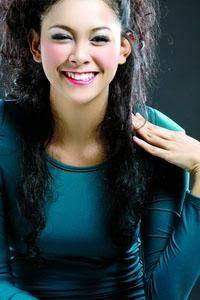 Tips model rambut keriting terbaik - http://tipsmodelrambut.blogspot.com/2013/12/tips-model-rambut-keriting-terbaik.html