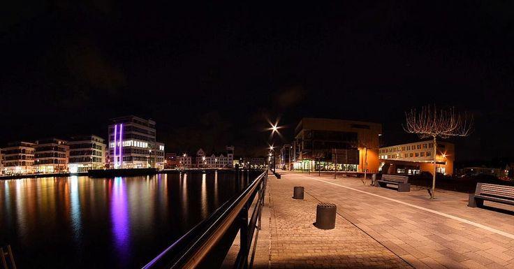 #dortmund #stadt #city #travel #reisen #hörde #fotografie #photographer #phönixsee #See #abend #Urlaub #licht #promenade #night #ciudad #noche by retkowietz