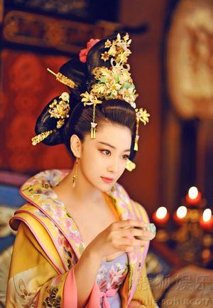 美しくて残酷な則天武后演じる中国若手ナンバーワンのファン・ビンビンの宮廷コスプレと歴史を楽しむ写真展 - NAVER まとめ
