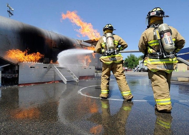 Fire fighting training center,  27 780273566 /  27 110709926 . first aid , superlink training , dangerous goods, boilermaking, plumbing, electrical , brick laying, welding courses, excavators , lhd, reach stackers, forklifts, graders, dump trucks, tlb, front endloaders,dozer,drilling rig, and more courses @ tuhame operators training center. germiston,johannesburg,cape town , durban,polokwane,rustenburg. free accomodation and job assistance available. call us on  27 780273566 /  27 110709926.
