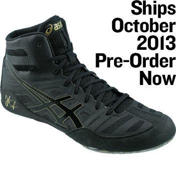 asics black wrestling shoes