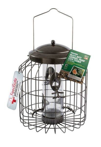 Heavy Duty Squirrel Proof Seed Feeder for Wild BirdsTreat your feathered friends to a feast with Gardman. As one of the top providers of bird care products in the UK you can be sure to find something for every winged guest.Squirrel Proof Die Cast feeder suitable for all types of