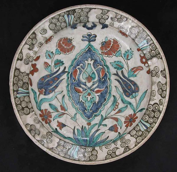 Dish Date: late 16th–early 17th century Geography: Turkey, Iznik