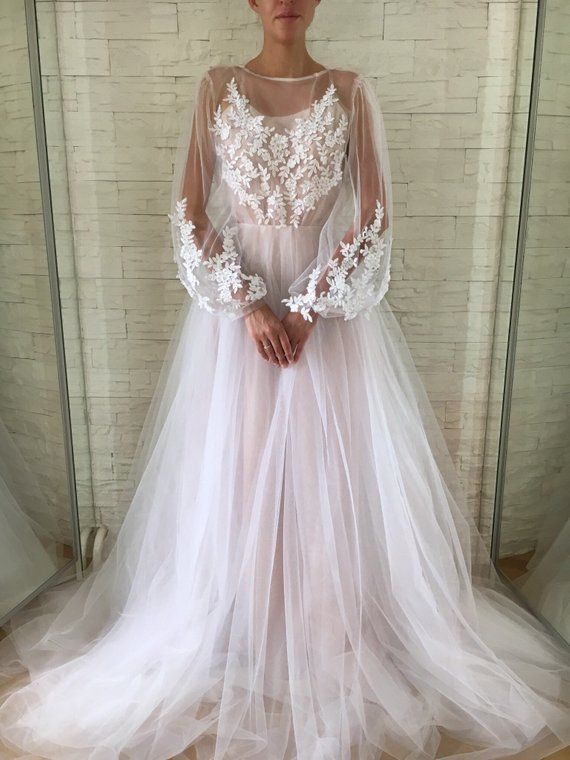 Beaded Long Sleeve Tulle Wedding Gown Lace Wedding Dress Bohemian Wedding Clothing Boho Wedding Dress Long Sleeve Prom Dresses Lace Cheap Prom Dresses Long