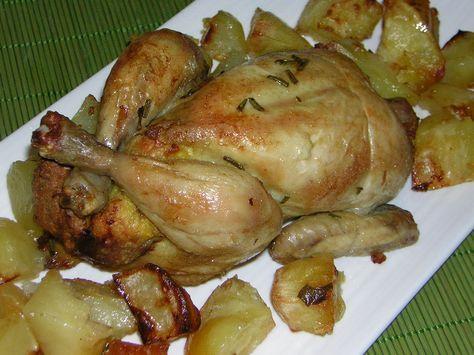 Un galletto amburghese ripieno saporito è un ottimo secondo piatto. La sua preparazione è semplice, se accompagnato da patate e una buona