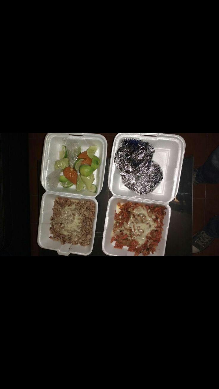 Tacos de bisteck con queso Tacos de tinga con queso Ideales para una dieta alta en contenido energético ya que es Hipercalorica e hiperlipidica