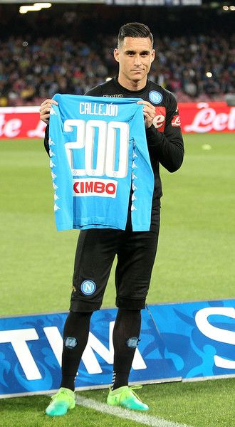 Jose Callejon of SSC Napoli celebrate his 200th caps with Napoli before the Serie A match between SSC Napoli and Udinese Calcio at Stadio San Paolo on April 15, 2017 in Naples, Italy.