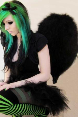 ira vampira emo scene pastel goth gothic punk alternative sitemodel model  make up colorful hair style