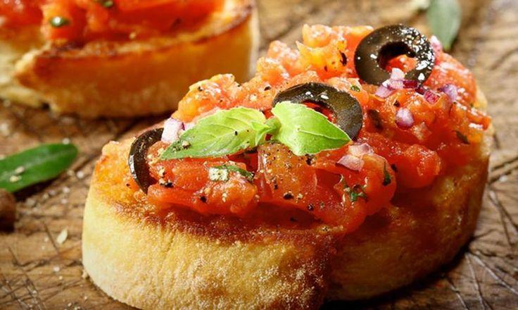 Připravte si doma pravou italskou bruschettu, s námi ji zvládnete za 15 minut! Tesco Recepty - vaše čerstvá inspirace.