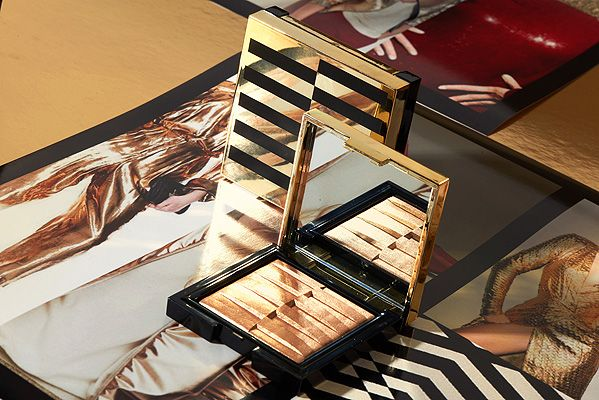 #staygold #makeup #christmas #christmascollection #makeupcollection #limitededition #higlighter