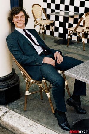 Breakout Star Evan Peters Takes on 'American Horror Story' | TeenVogue.com