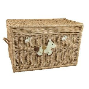 Wiklinowy kufer zdobiony - konik