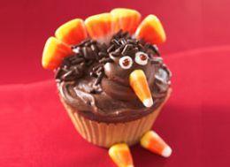 turkey craft projects preschool | Cute turkey cupcakes. Image via Betty Crocker (link below in text)