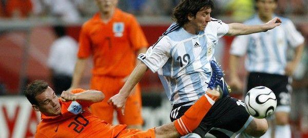 Az eddigi nyolc argentin-holland mérkőzésből mindössze egyet nyertek meg a gauchók, ám az éppen az 1978-as világbajnoki döntő volt.