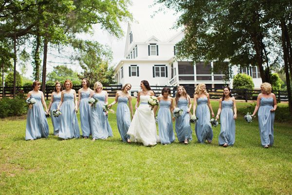 blue bridesmaids dresses | Powder blue hydrangea Wedding | Ispirazione primaverile: Ortensie azzurro polvere http://theproposalwedding.blogspot.it/ #wedding #spring #blue #hydrangea #matrimonio #primavera #ortensie #blu