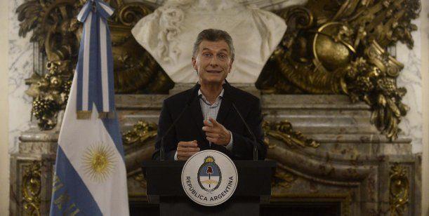 El Presidente brindó una conferencia de prensa para aclarar sobre ciertas cuestiones que tuvieron como protagonista al Estado y a la familia Macri.No tienen verguenza!!