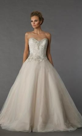 Danielle Caprese: buy this dress for a fraction of the salon price on PreOwnedWeddingDresses.com