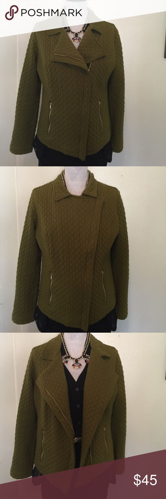 """Isaac Mizrahi LIVE Motorcycle Jacket KNIT sz M Isaac Mizrahi LIVE (QVC) makes this stunner of a motorcycle jacket. It's a blazer too due to the amazing styling - you will want to wear it all the ways shown! Color is army green. Fabric is quilted. Metal is gold. 2 zip pockets.  Bust 21"""" flat, length shoulder to hem 24"""" approx! Lots of stretch.  Please check my other listings and add your ❤️'s to a bundle! Everything I sell is authentic as everything I buy is authentic. Thx for looking ❤️…"""
