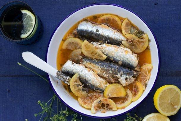 Sardinas en Cuaresma, ¿cómo cocinarlas sin malos olores en casa?