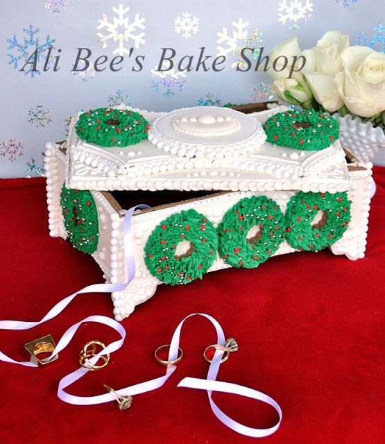 The Twelve Days of Christmas Cookie Project: Five Golden Rings | www.sweetsugarbelle.com