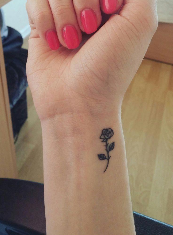 Wrist Tattoo Design Wristtattoodesign Rose Tattoos On Wrist Little Rose Tattoos Wrist Tattoos Girls