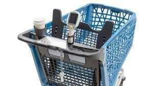 Držadlo Promobox Plus S-Grip na nákupním vozíku Salsa 150 lze doplnit o  praktické příslušenství, např. držák na kelímek a skener.