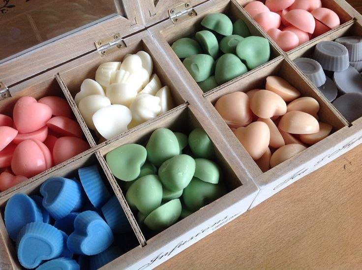 Pic 'n' mix scented wax melts...