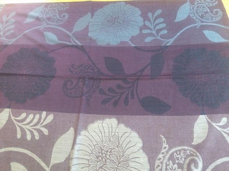 PA004 Pasmina ukuran 70 cm x 176 cm kain lembut, tidak transparant, mudah di bentuk dan sudah ada pinggiran Dengan 3 jenis warna dan motif di setiap pasmina yang paling penting memenuhi tuntutan syari'i Price: KrW 20000