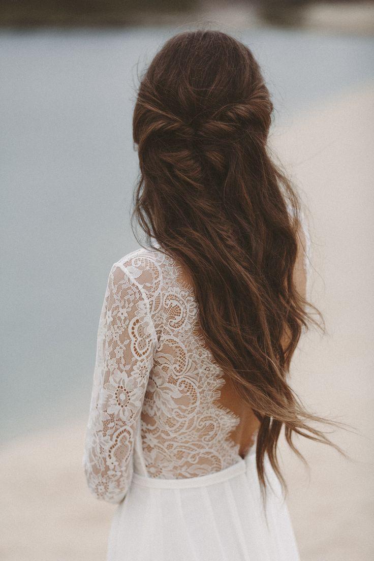 Brautkleid mit langen Spitzenärmeln und tiefem Rückenausschnitt Light & Lace b…