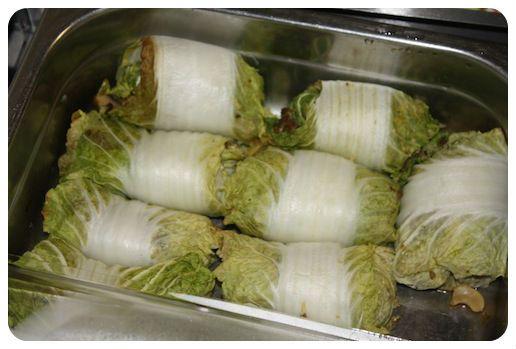 Favoriet bij onze Kerstproeverij waren de koolrolletjes van De Groene Smaak. We hebben het recept gehad, zodat je zelf ook kan experimenteren met deze heerlijke rolletjes. We hebben een vulling uitgewerkt, maar daar kun je natuurlijk mee variëren. Ingrediënten aantal bladeren Chinese kool 200 gram gekookte rijst 200 gram gehakt handje cashewnoten handje champignons kleine.... lees verder