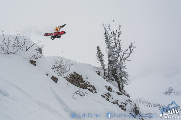 Hammerhead. The adventurous way to drop into Cedar Bowl. Rider: Jack Dobson. Photo: Vince Mo (www.mofotophotography.com)
