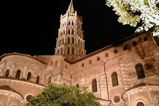 Largest Romanesque church preserved in Europe, the Basilica of St. Sernin, Toulouse, is located on the pilgrimage route to Saint Jacques de Compostela and houses the relics of St. Saturnin.