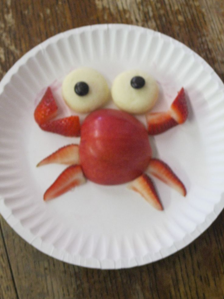 "Ms. Dana's pre-school class made some delicious ""crab"" snacks using fruit."