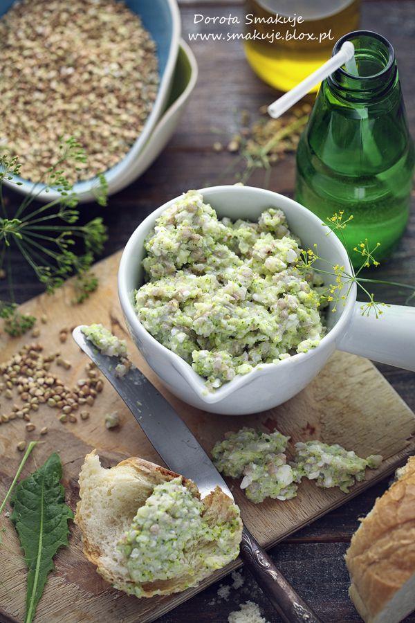 Pasta z białej kaszy gryczanej, brokuła i serka wiejskiego